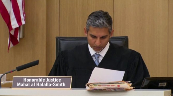 Here comes the 'judge'