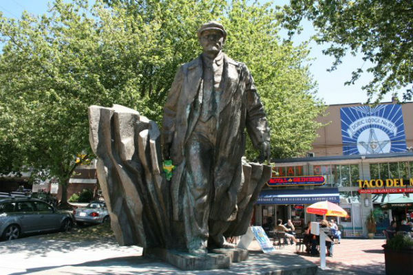 Communists denounce plans to remove Seattle Lenin statue - RT Russian politics