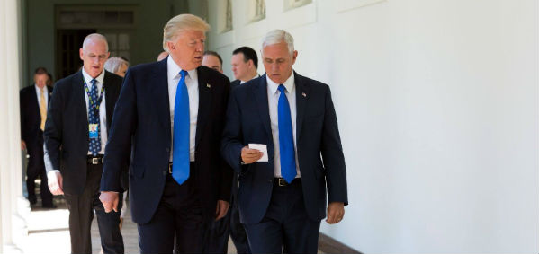 trump-pence-white-house-photo.jpg