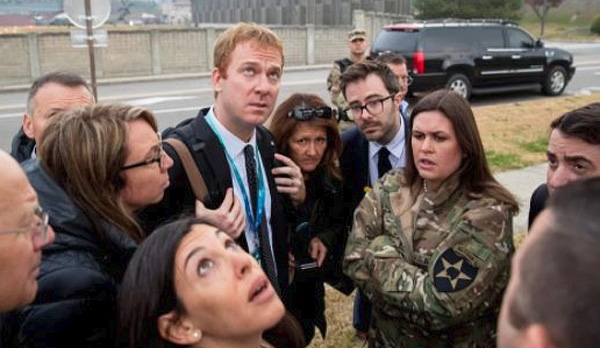 White House Press Secretary Sarah Huckabee Sanders borrows a jacket from an Army Ranger while in South Korea (Photo: Twitter/Evelyn White)