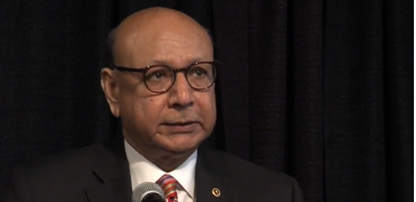 Khizr Khan speaks at 'Day of Remembrance' event in Seattle Feb. 19, 2018 (Screenshot YouTube video)