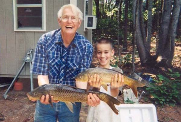 Young Christopher Pittman with his grandfather, Joe Pittman, in 2001 (Photo: Murderpedia)