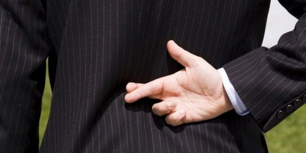 Lying-crossing-fingers-liar.jpg