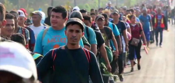 Immigrants from Central America making their way to the U.S. border (Screenshot CNN)