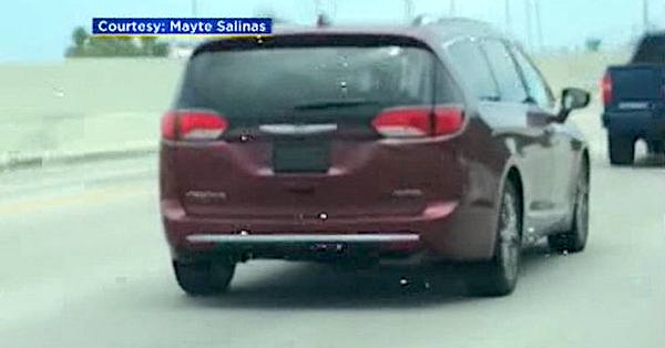 A vehicle uses a device to hide its license plate in South Florida (courtesy Mayte Salinas and CBS4)