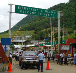 Ciudad Hidalgo crossing on Mexico's border with Guatemala (Wikimedia Commons)