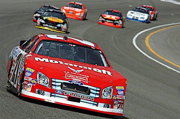 [auto-racing-nascar-racetrack-pixabay-600]