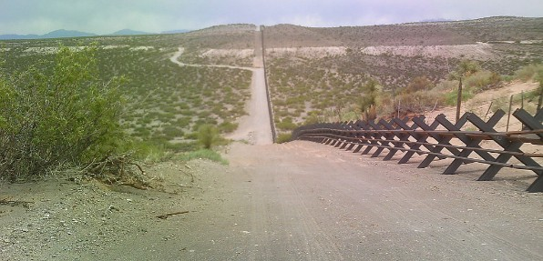 #16 - Main news thread - conflicts, terrorism, crisis from around the globe - Page 6 Barrier-mexico-border