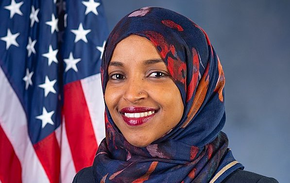 [Ilhan-Omar-official_portrait_116th_Congress-600]