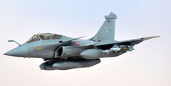 A French Air Force Rafale-B jet fighter (U.S. Defense Department photo)