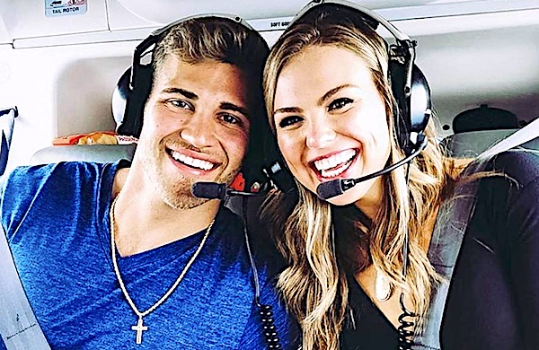 Luke Parker and Hannah Brown enjoy a helicopter ride together (Instagram /Luke Parker)