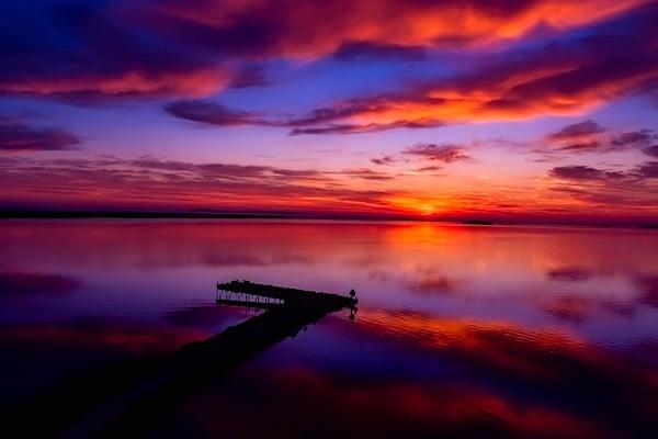 [sky-sunset-lake-michigan-blue-purple-colors-heaven-God-Christians-peaceful-calm-pixabay]