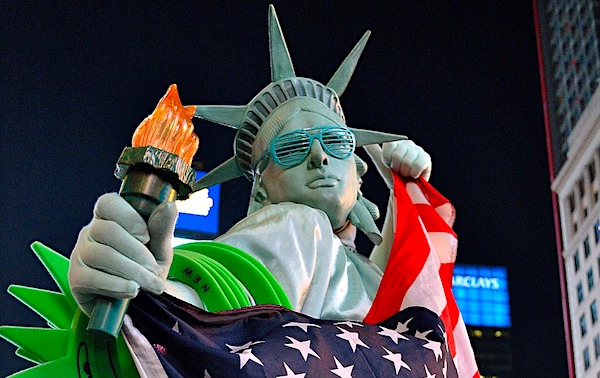 [statue-of-liberty-americans-usa-united-states-patriotic-patriotism-times-square-flag-nyc-new-york-city-pixabay]