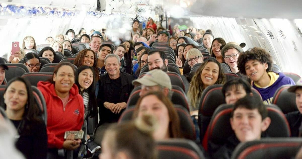 Gary Sinise's 'Snowball Express' makes Christmas unforgettable for 1,750 fallen military heroes' families - WND