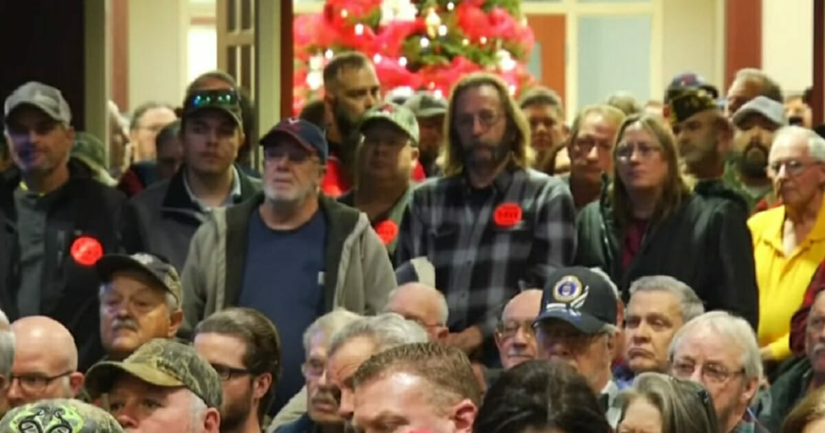 Virginia gun-confiscation bill pulled as huge pro-gun crowd shows up at legislature to protest - WND