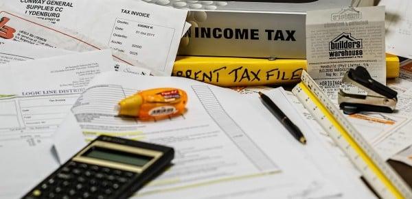 [pixabay-income-tax]