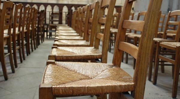 [pixabay-empty-chairs-church]