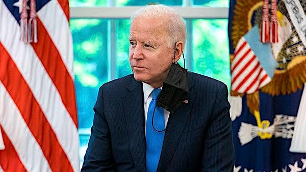 Retiring FDA officials say Biden's booster program 'not needed' to combat pandemic