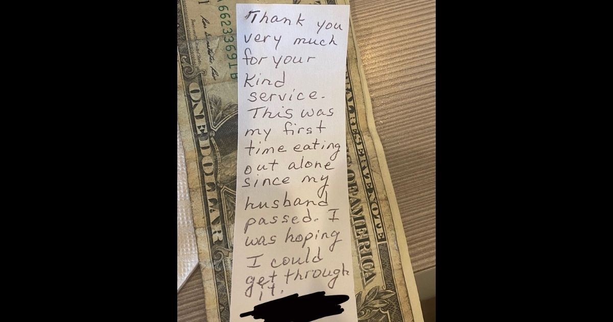 Waitress receives heartbreaking thank-you note from recently widowed customer