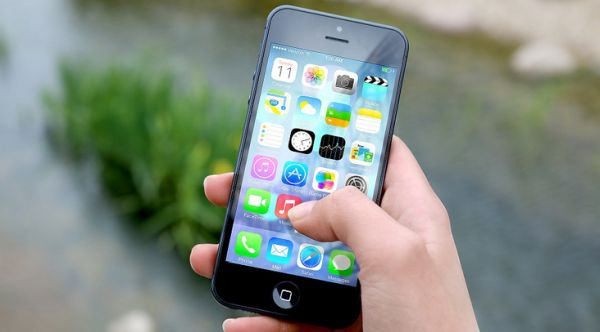 smart-phone-social-mecia-app-Pixabay.jpg